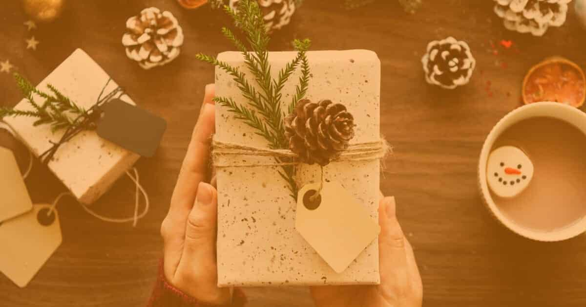 30+ Awesome Gift Ideas for Entrepreneurs & Small Biz Owners [2021 Edition]